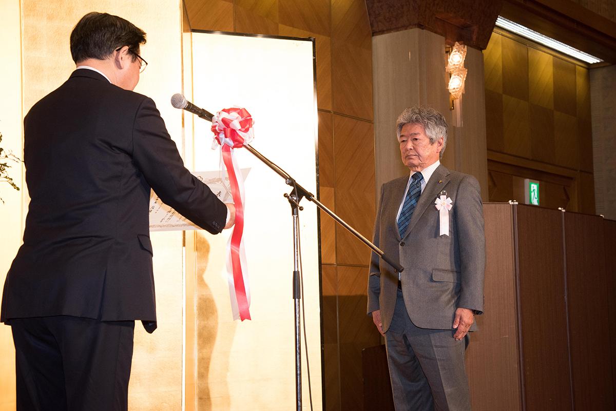 理事長下河辺智久が北九州市より表彰を受けました